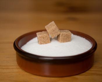 Açúcar demerara, mascavo e refinado